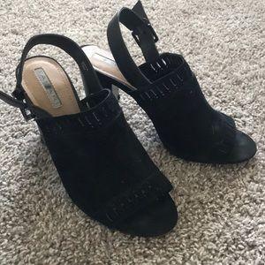 Black Tahari Heel